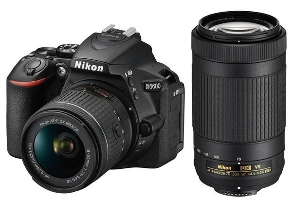 NIKON D5600 + AF-P 18-55 VR + 70-300VR